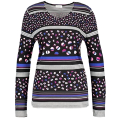 Long sleeve top with a striped applique