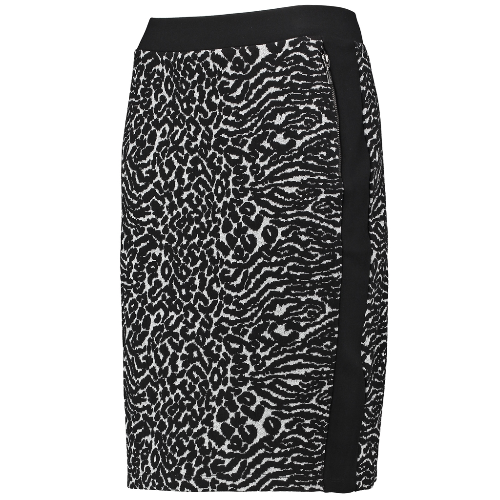 Skirt with an Animal Pattern - Black