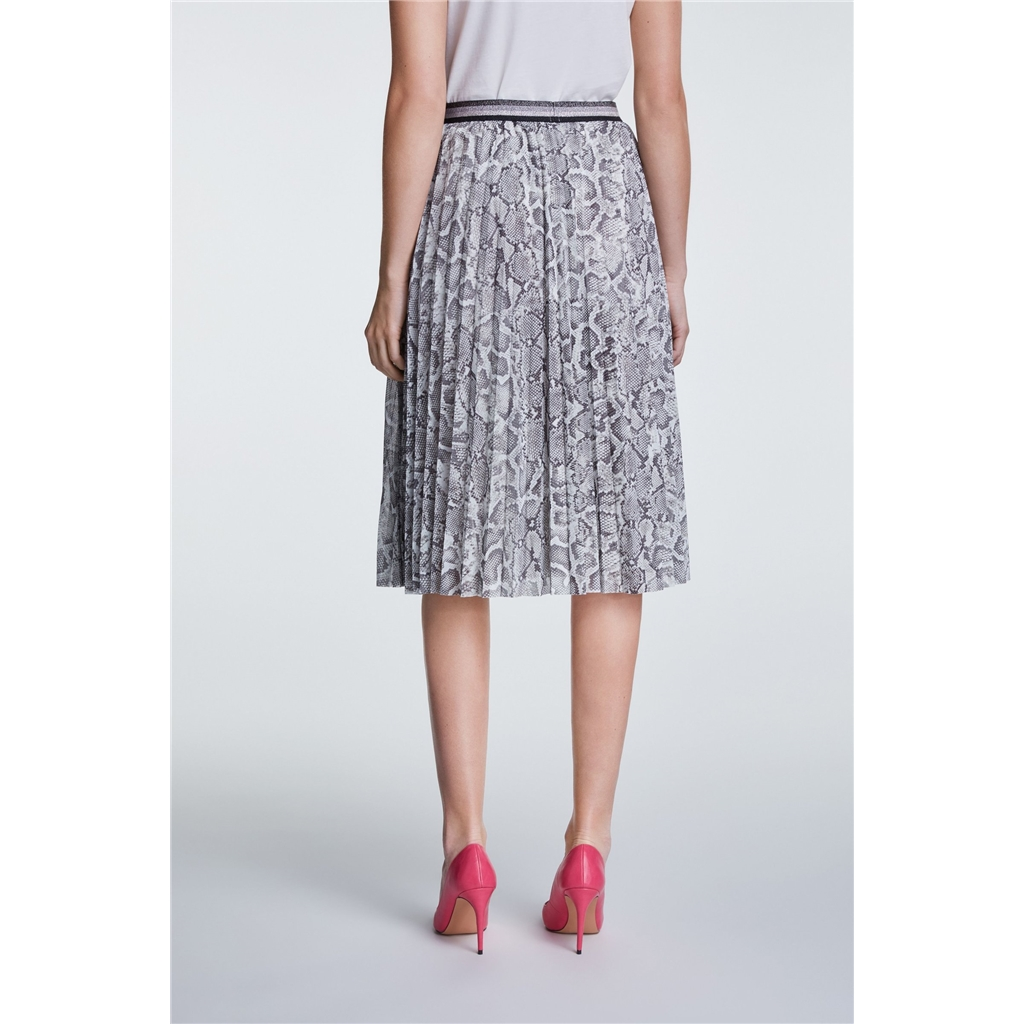 Oui Pleated Snake Printed Skirt - Black/White