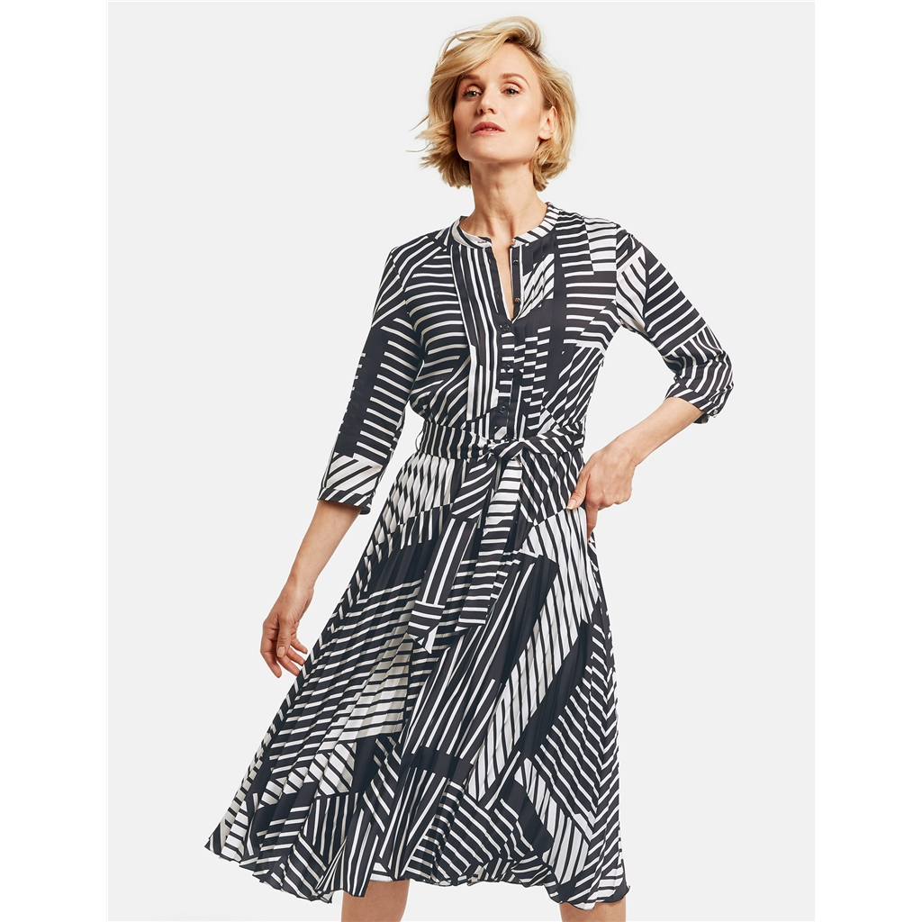 New 2020 Gerry Weber Pleated Dress - Black/White