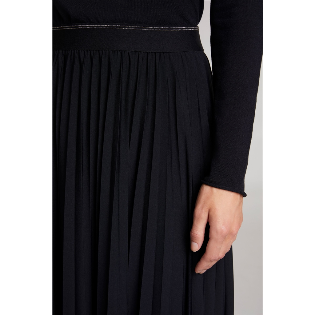 New 2020 Oui Pleated Midi Skirt - Black